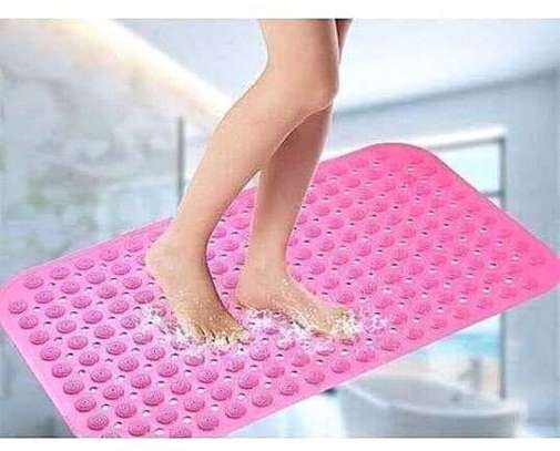 ANTI SLIP BATHROOM MATS image 3