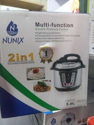 Multifunction  Electric pressure cooker. image 1