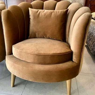 Swivel /rounded chesterfield and pipings sofas image 2