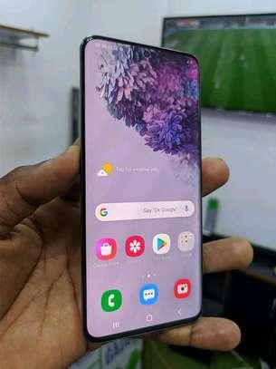 mobile phone Samsung s20 image 2