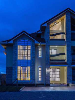 5 bedrooms executive townhouse to let image 10