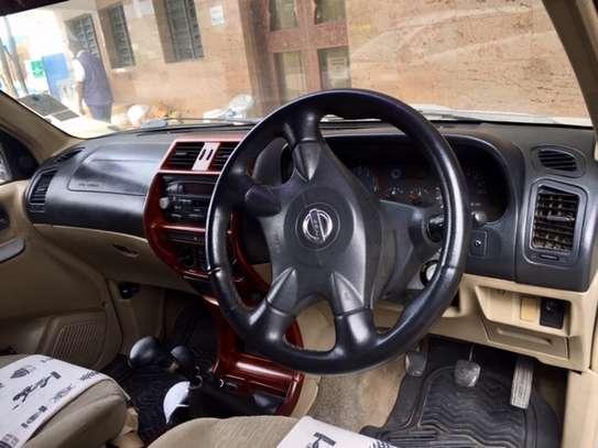Nissan Terrano image 5