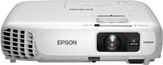 Epson  EBS  S05  3200 Lumens Projector