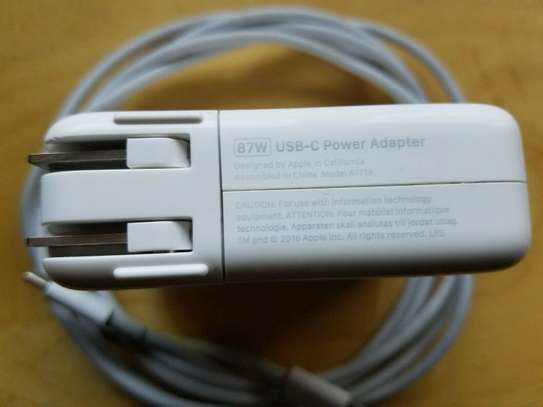 Apple A1719 87W USB-C Power Adapter image 3