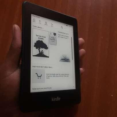 Kindle 3 e-reader image 1