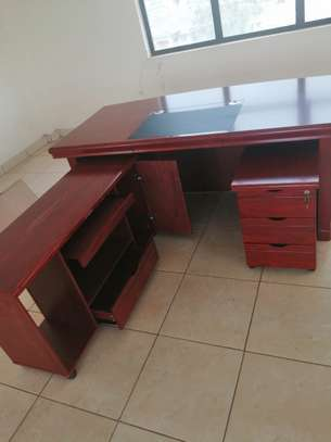 1.6meter Executive impoted office desk image 7