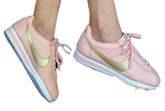 Nike Classic Cortez Leather Pink Sport Shoes for Women image 2