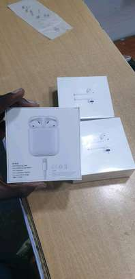 apple airpods image 2