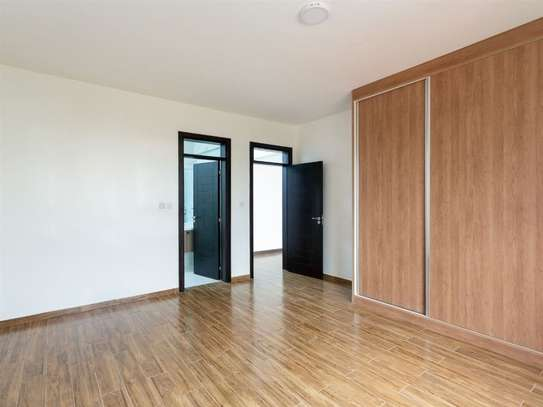 2 bedroom apartment for rent in Kilimani image 9