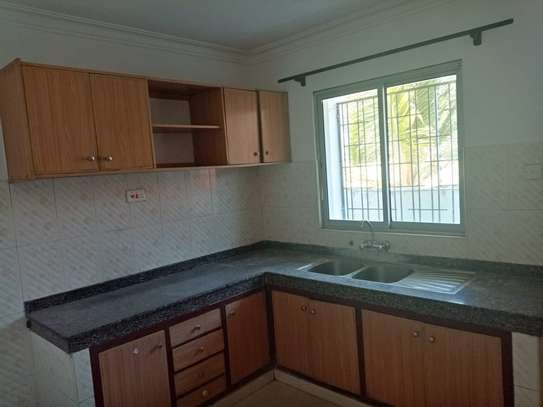 3br duplex apartment for rent in Nyali-A25 Mogadishu.Id AR18-Nyali image 3