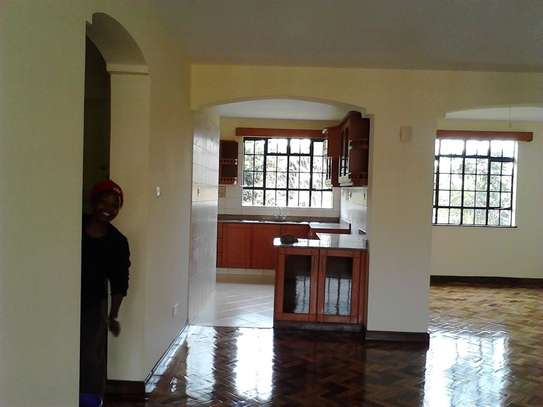 2 bedroom apartment for rent in Riverside image 9