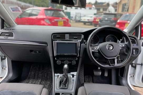 Volkswagen Golf image 3