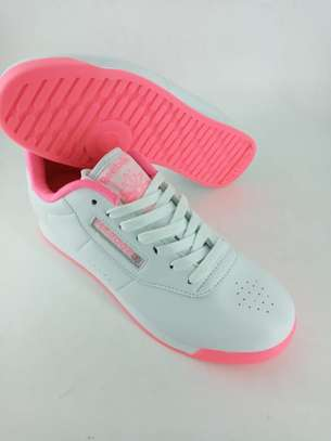 Ladies Reebok shoes image 1