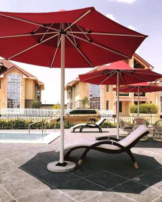 5 bedrooms executive townhouse to let image 8