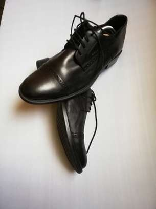 Ladies shoes image 3