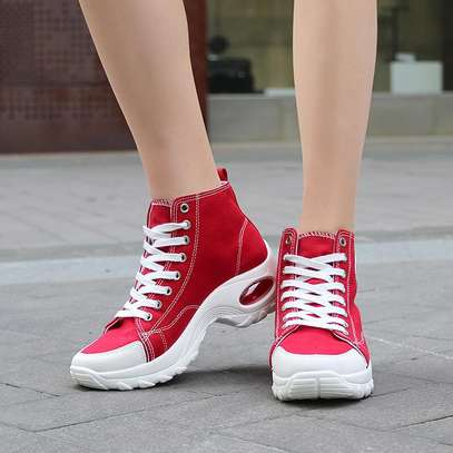 Converse sneakers image 2