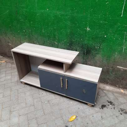 TV stand le
