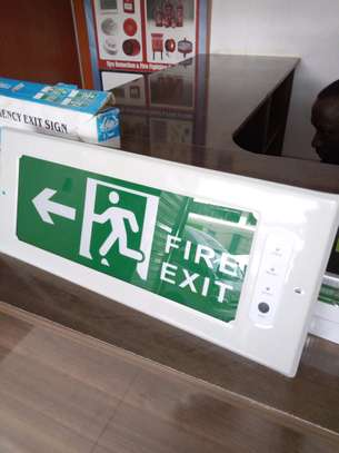 Automatic Fire Exit Sign image 2