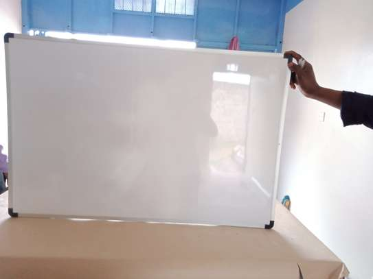 Whiteboards and noticeboards image 1