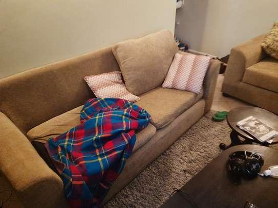 5 seater cool sofa image 2
