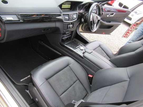 Mercedes-Benz E250 image 5