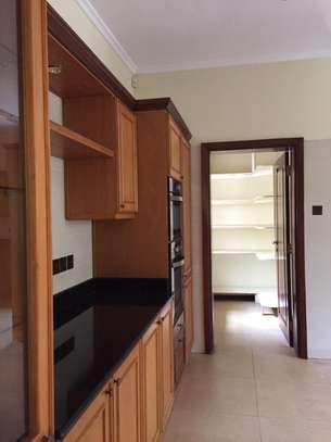 5 bedroom house for rent in Kitisuru image 6