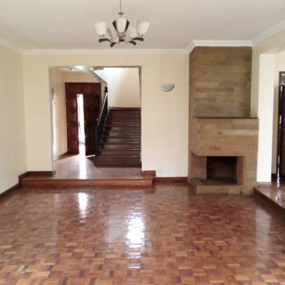 5 bedroom townhouse for rent in Lavington image 10