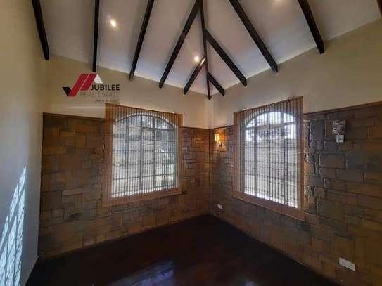 4 bedroom house for rent in Runda image 14
