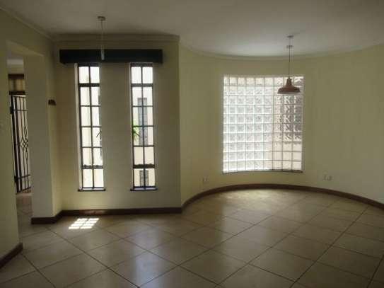 General Mathenge - Flat & Apartment image 10