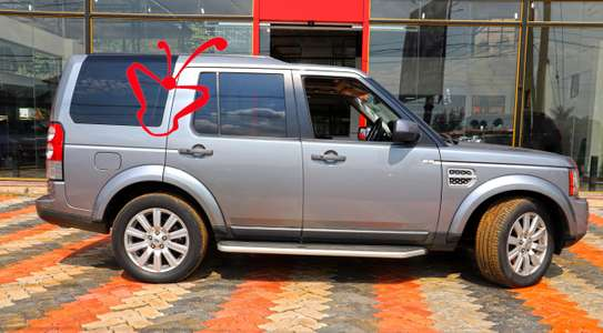 Land Rover Discovery IV image 4