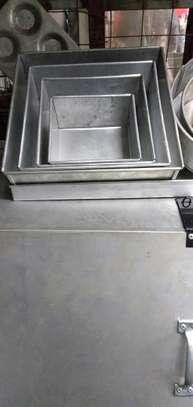 Jua Kali Aluminium Baking Tins - Rounded image 2