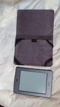Kindle amazon book reader image 2