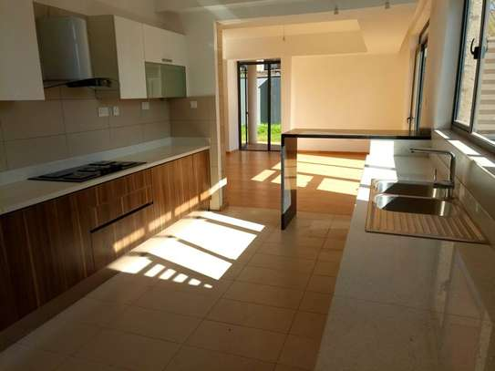 Executive 4 Bedroom Townhouse For Rent In Garden Estate  At Kes 225K image 10