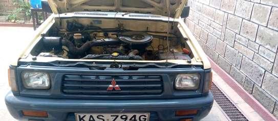 Mitsubishi L200 image 1