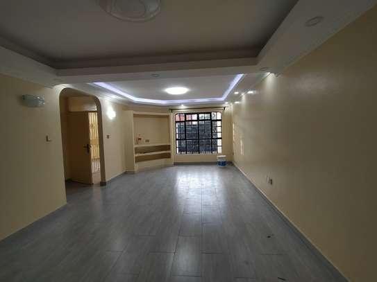 newly refurbished 4  bedroom maisonette plus sq image 7