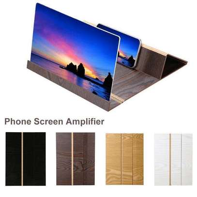 12'' Screen Magnifier for Smartphone – Mobile Phone 3D Magnifier Projector Screen image 1