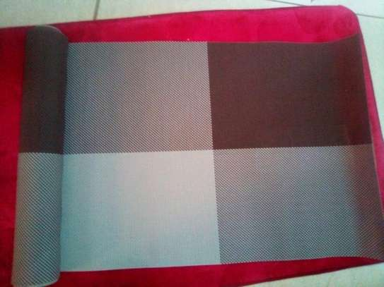 Table mat checked brown 1pc image 1