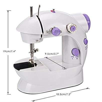 mini sewing machine image 2