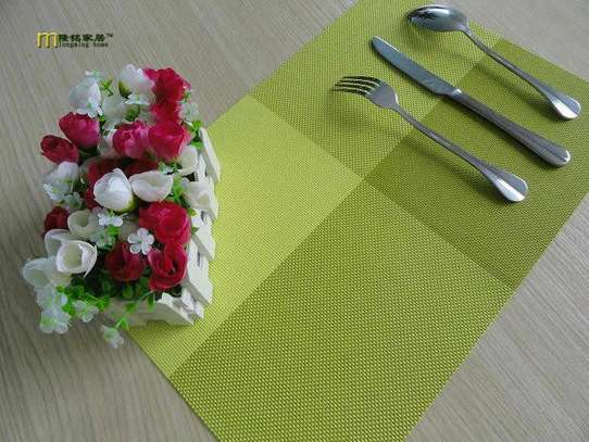 Table mat checked green 1pc image 1