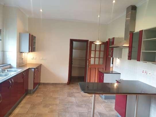 5 bedroom villa for rent in Runda image 15