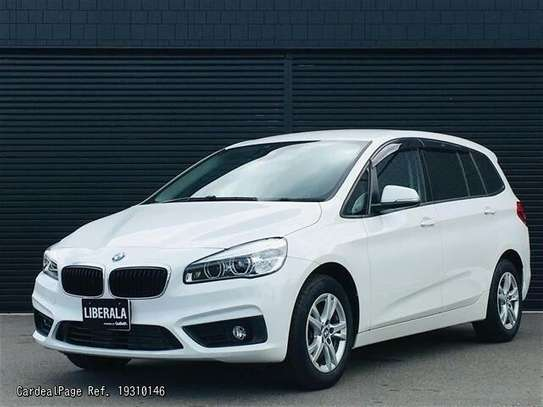 BMW 2 Series image 1