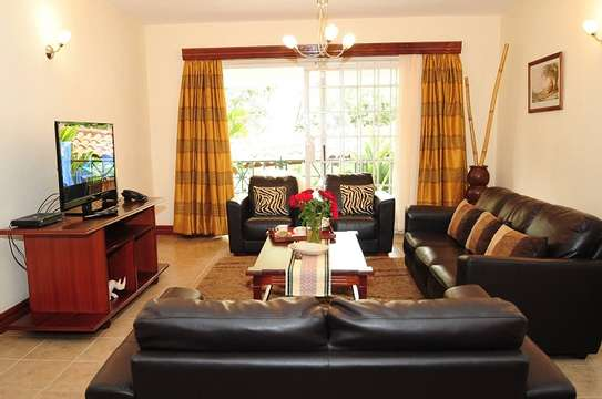 White Pearl Fully furnished & Serviced Apartments image 1