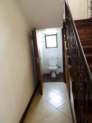 4 bedroom house for rent in Lavington image 9