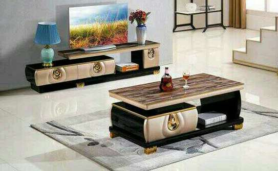 Table + tv stand image 1
