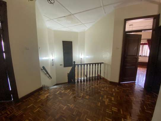 5 bedroom house for rent in Gigiri image 11