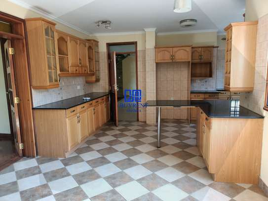 4 bedroom house for rent in Gigiri image 3