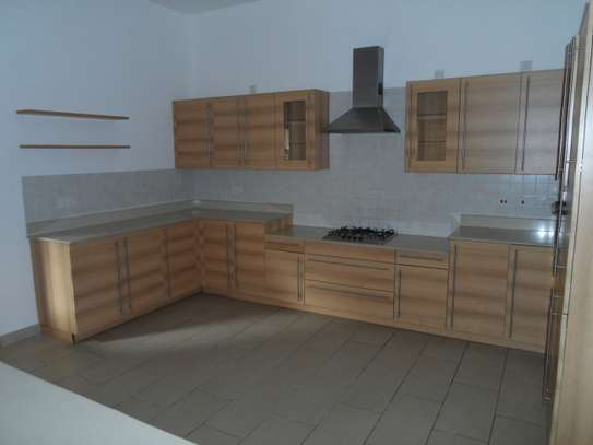 3 bedroom apartment for rent in Nyali Area image 13