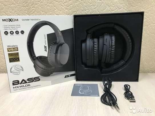 Moxom MX-WL06 Hi-Fi Super Real Stereo Gaming Bluetooth Headset 3.0 image 6