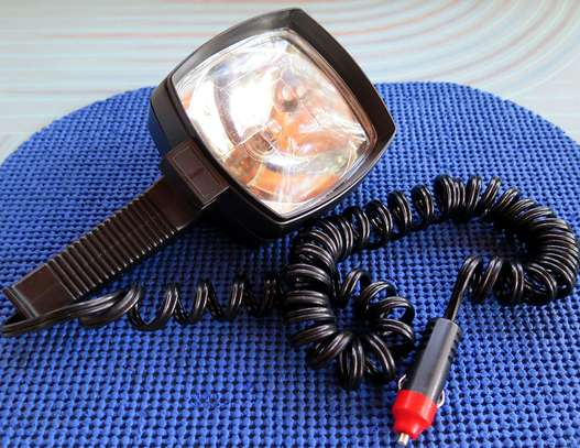 GREAT ITEM TO HAVE IN THE BUSH FOR YOUR VEHICLE! A QUARTZ HALOGEN HANDHELD SPOTLIGHT!!
