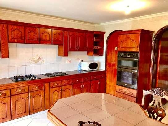 Furnished 5 bedroom townhouse for rent in Riverside image 4